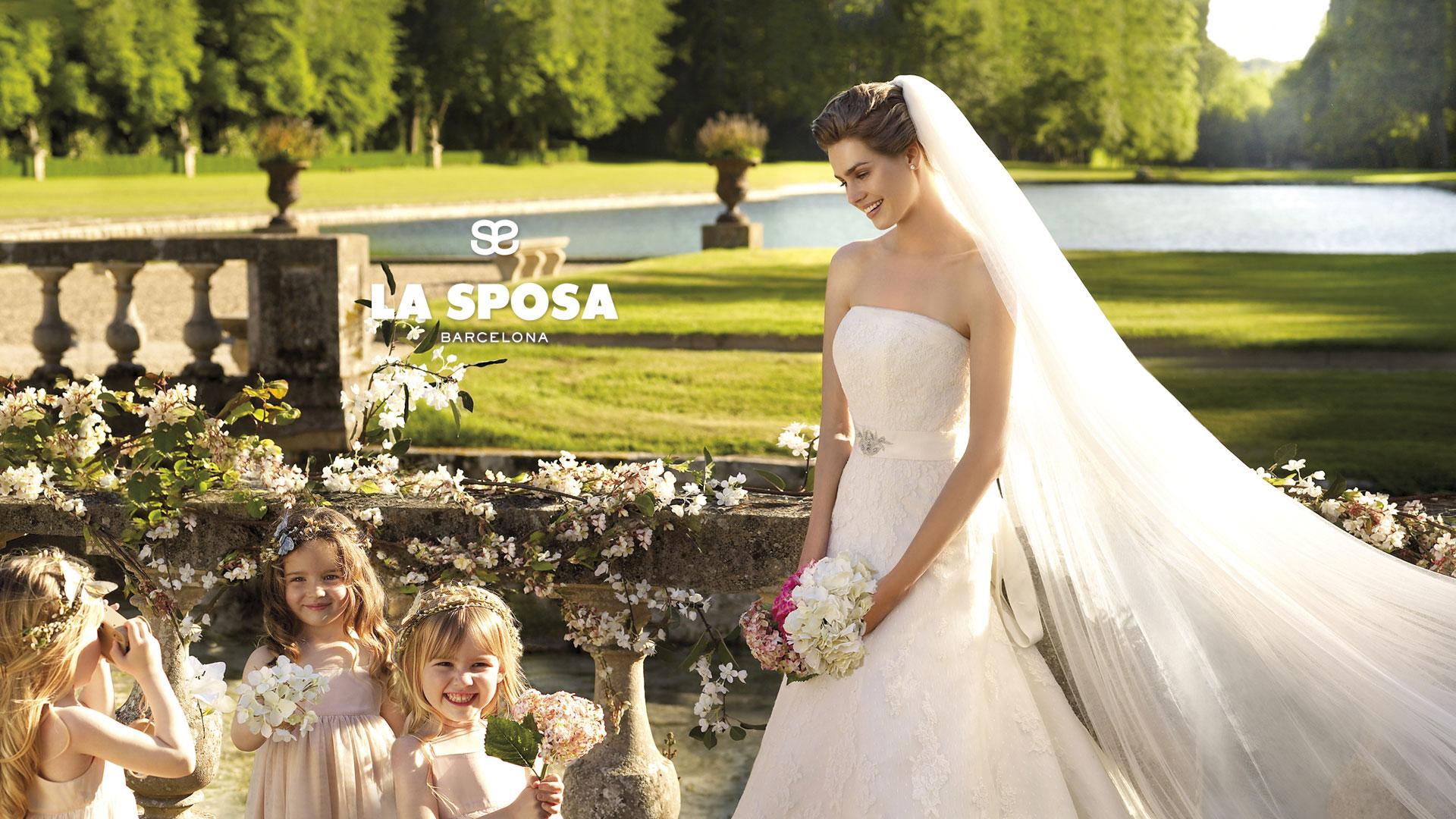 Смотреть лисбиянки невеста и ее подружка перед алтарем тоже лисбиянка 31 фотография